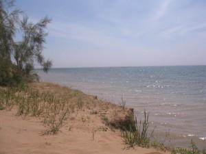 озеро Айдаркуль в мае