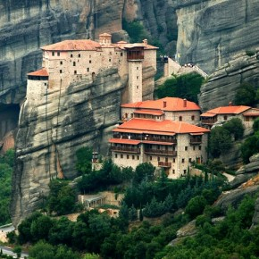 На праздник святителя Николая в  Грецию и Италию
