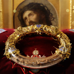 Русский Париж и молитвенное поклонение Терновому Венцу Господа