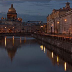 Три дня петербургского лета ( Петербург -Кронштадт -Петергоф)   по графику